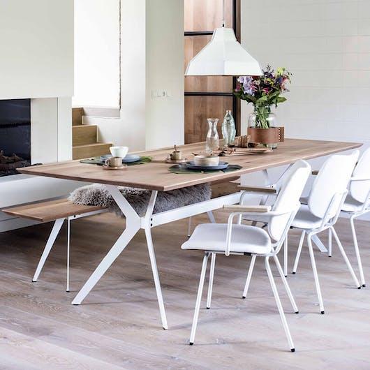Woontrend 2018 Ranke, slanke meubels eetset