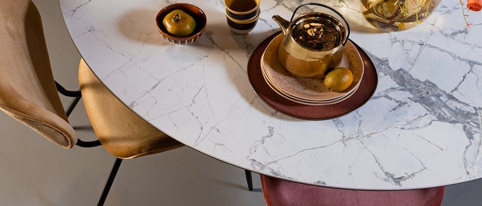 Marmeren eettafel bij Eijerkamp